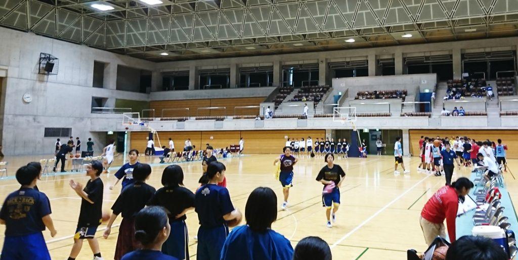 沖縄開催『部活フェス ~バスケットボール・バレーボール大会~』に約500名の高校生が集まり、大盛況のうちに終了しました。